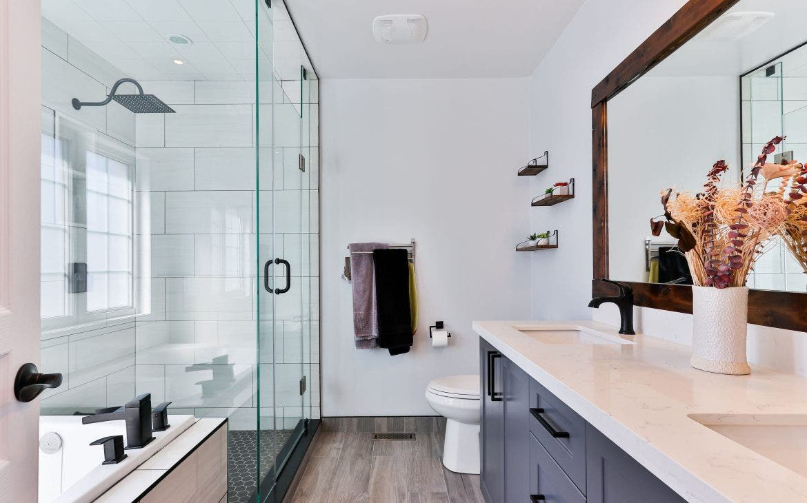 4 Beautiful Farmhouse Bathroom Remodels To Inspire Your Next Project